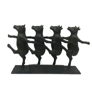 Escultura-Home---Collection-Vacas-Dancando-Preta