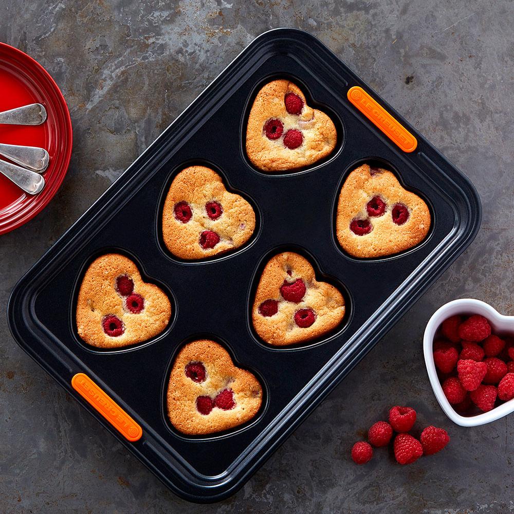 Forma Muffins Pâtiliss Formato Coração Preto Le Creuset